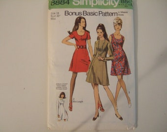 Simplicity Pattern 8884 size 18 or 14 Cut and complete