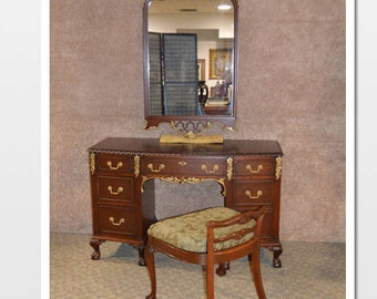 Vintage Thomasville Regency Style Mahogany Carved Vanity, Mirror and Bench