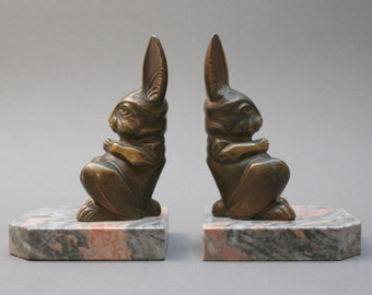 Antique French Art Deco bookends pair, Signed by H. MOREAU, Old metal and marble rabbit figurines, Librairy ornament, Vintage 1920s