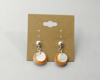 Handmade Earrings, Mother of Pearl Shell Earrings, Shell Earrings, Earrings, Dangle Earrings, Beachy Earrings, Shell Jewelry