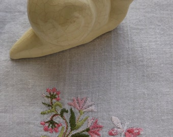 THE Dolphin made in France vintage snail / snail in white ceramic handmade vintage / Deco ceramic handmade