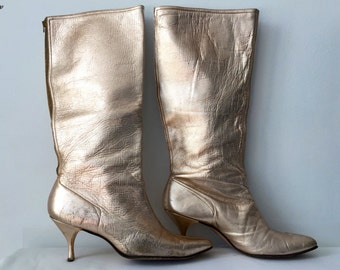 Vintage 60s 1960s Rose Gold Go Go Mod Boots Bronze Leather Back Zipper Pointy Toe Kitten Heels Knee High Boots Shoes Size 8.5 38.5