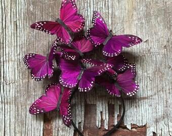 Lila Schmetterling Fascinator, Boho Blumenkrone, Blumenkrone, Landhochzeit, Kopfschmuck, Schmetterling Kopfschmuck, Derby, lila Blumen