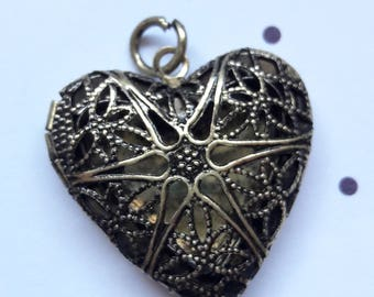 Brass Filigree Heart Locket Pendant Jewelry Making Supplies & Women's Jewelry