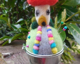 Needle felted toadstool pattern