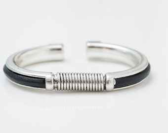 The Slick bracelet