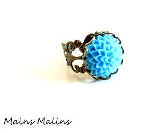 Ring retro vintage blue dahlia flower