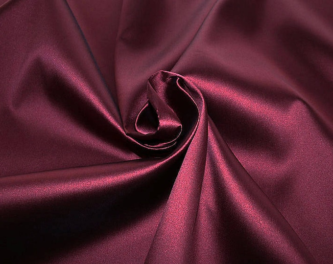 274104-Mikado-82% Polyester, 18 silk, 160 cm wide, made in Italy, dry cleaning, weight 160 gr, price 1 meter: 54.81 Euros