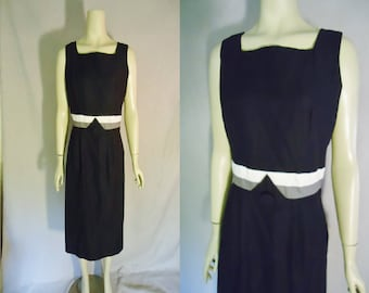Classic Little Black Vintage 1950's Women's Rockabilly BOMBSHELL Hourglass Dress S M