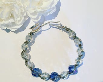 Blue and silver wire bracelet