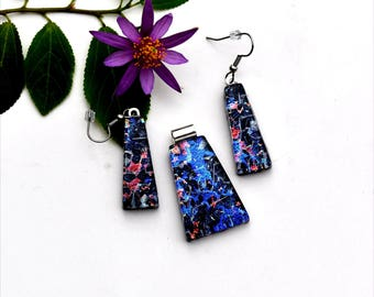 Fused dichroic glass pendant and earring set, three layers, light blue, dark blue, pink, silver