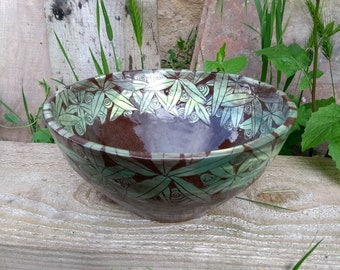 Green/chocolate leaf bowl