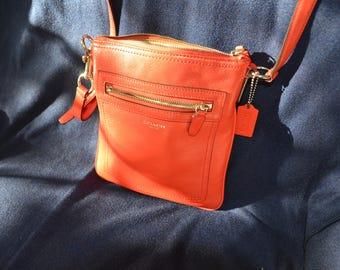 Vintage COACH British Tan Leather Saddle Medium Shoulder Bag