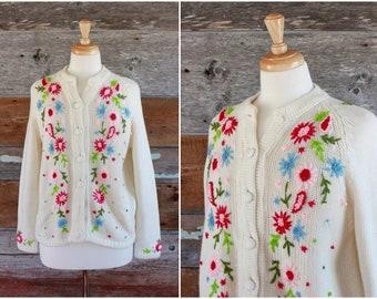 Pull cardigan brodé floral des années 1960 | des années 60 printemps fleurs cardi | taille s - m - l
