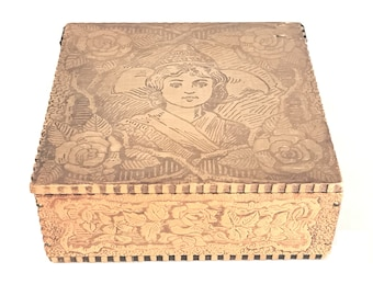 Art Nouveau Pyrography Flemish Princess Handkerchief Folk Art Box