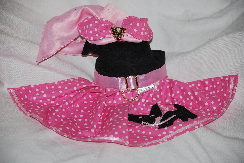 Le chat rose jupe Chihuahua jupe rose Halloween costume chien costume déguiseHommes t manteau costume sur mesure à la main sur mesure pour animaux de compagnie animal fait à la main vacances 9d5efd