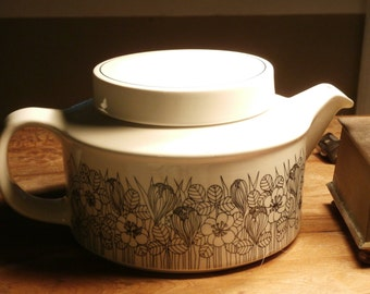 Vintage Arabia Finland Krokus Esteri Tomula Design Black and White Teapot Tea Pot and infuser 1978 1970's 70's