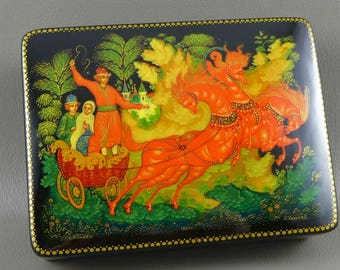 Russian Lacquer Box, Vintage Russian Troika Scene Black Lacquer Box, Horses And Sleigh, Papier Mache Box, Hand Painted Box, Signed And Dated
