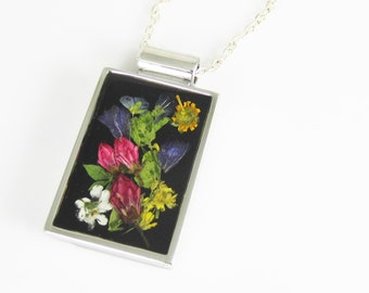 Flowers on Black, Real Flowers in Jewelry, Pressed Flower Necklace, Resin, (1900)