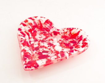 Heart Bowl, Heart Decoration, Red and White, Fused Glass, Unique Room Decor, Romantic Gifts for Girlfriend, Modern Candy Dish, One of a Kind