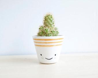 Ceramic planters, Ceramic planter, Succulent planter, Ceramics & pottery, Flower plant pot, kawaii house, kawaii ceramic, cacti planter