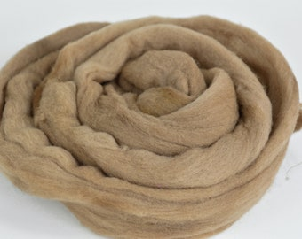Plant Dyed Roving Light Walnut - 1.5oz (42g) - Tan Wool Roving - Eco Dyed Roving