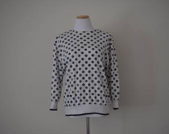 FREE usa SHIPPING Vintage ladies sweatshirt medium weight black and white crew neck polyester size 6