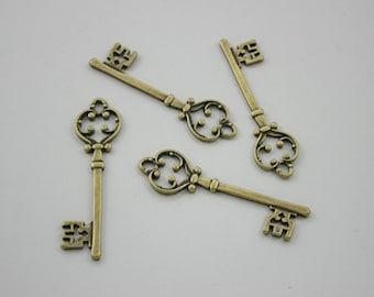 5 pcs.Zinc Antique Brass Vintage Key Charms Pendants Decorations Findings 12 mm. Key6 RC