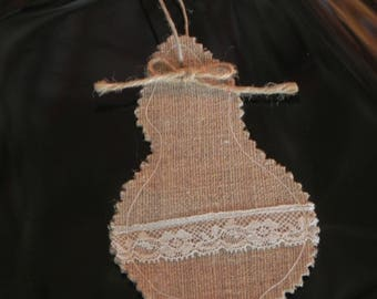 Tassel of linen and lace