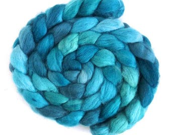 Aqua, Shetland Roving - Handpainted Spinning or Felting Fiber
