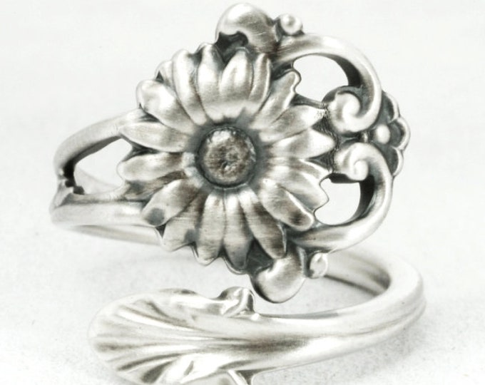 Daisy Ring, Small Spoon Ring, Sterling Silver Spoon Ring, Antique Whiting, Daisy Lover Gift, Silver Flower Ring, Adjustable Ring Size (7104)