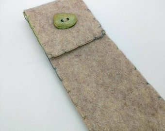 Eco Friendly Handmade Boro Glass Drinking Straw Felt Pouch Straw Cleaning Brush Green Oblong Button - Prima Donna Beads