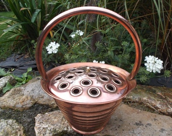 pinholders copper Lecellier Villedieu - bucket copper to pique flowers