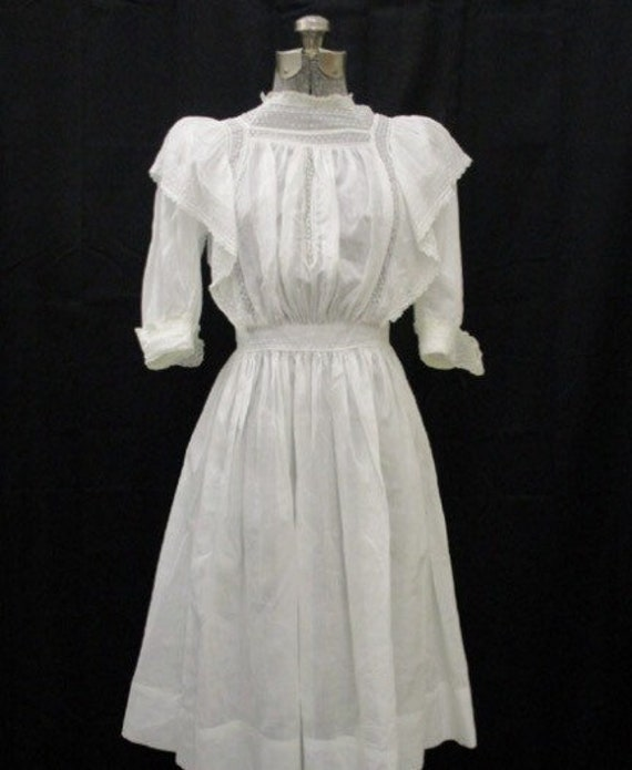 SALE Spectacular Antique 1910 white Victorian dress