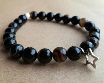 Starry starry night faceted black banded agate stretchy bracelet with silver star charm