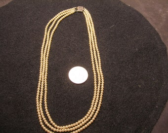 3 Strand Seed Pearls(935)