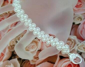 Pearl Bracelet / Beaded Bracelet in White and Silver / RAW Bracelet / Made To Order Bracelet / Beadwoven Pearls Bracelet / Beadwork Bracelet