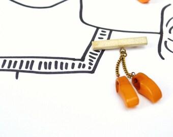 Vintage BAKELITE Brooch - 2 Tiny Dutch Clogs Dangling