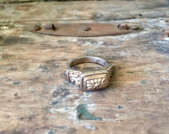 Brighton Sterling Silver Ring with Rectangular Flower Top / Floral / Brighton Jewelry / Vintage