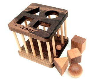 Personalized Shape Sorter Toy - Montessori Inspired Wooden Toy for a Baby or a Toddler - Eco-Friendly Sorting Game - Organic Wood Toy