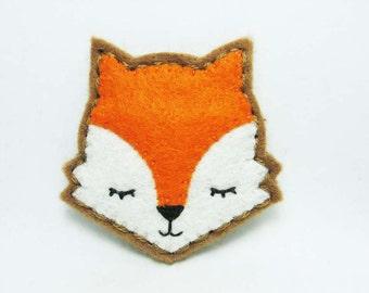 Moody Fox Felt Brooch / Fox Felt Pin / Whimsical Orange Felt Fox Brooch / Sleepy Fox Pin / Daydream Fox Felt Brooch / Animal Lover Brooch