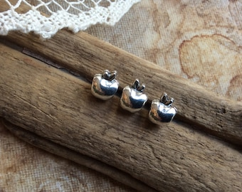 10x Apple Shaped Antique Silver Beads, Findings C153