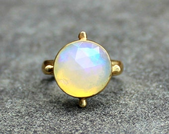 Opal Ring - Opal Gold Ring - Faceted Opal Ring - 18 kt Gold Ring - Solid Gold Ring - Ethiopian Opal - Welo Opal Ring - Large Opal Ring - 7