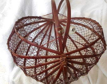 VINTAGE Folding Wood & Net Shellfish and Carry Basket Tote