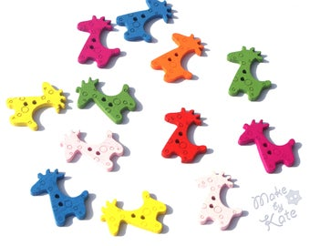 Colorful Wooden Giraffe decorative Buttons for Sewing Craft Scrapbooking Cardmaking Flatback DIY  Mixed colours  2 holes