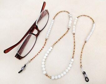 Perle Gläser, Kette, Boho, Perlen, Süßwasserperlen, Howlith, Shell, weiß, Gold, Handarbeit, Brillen-Kette, Geschenk für Frau, Geschenk für sie