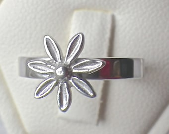 Daisy Sterling Silver Ring