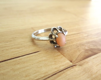 14k White Gold Angel Skin Coral Ring - Antique Jewelry Hand Estate Mid Century Victorian Art Deco 1920s 5 five claw setting