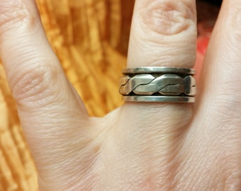 Sterling Silver Spinner Ring Size. 5.25