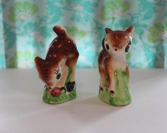 Sweet Vintage Deer Fawn Doe Shakers Figurine Rare